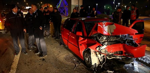 Ankara'da Feci Kaza! 1 ölü, 3 yaralı!
